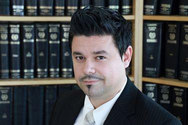 Greek Lawyer - Aris Kapsalis