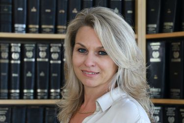Greek Lawyer - Nicole Kosmidi